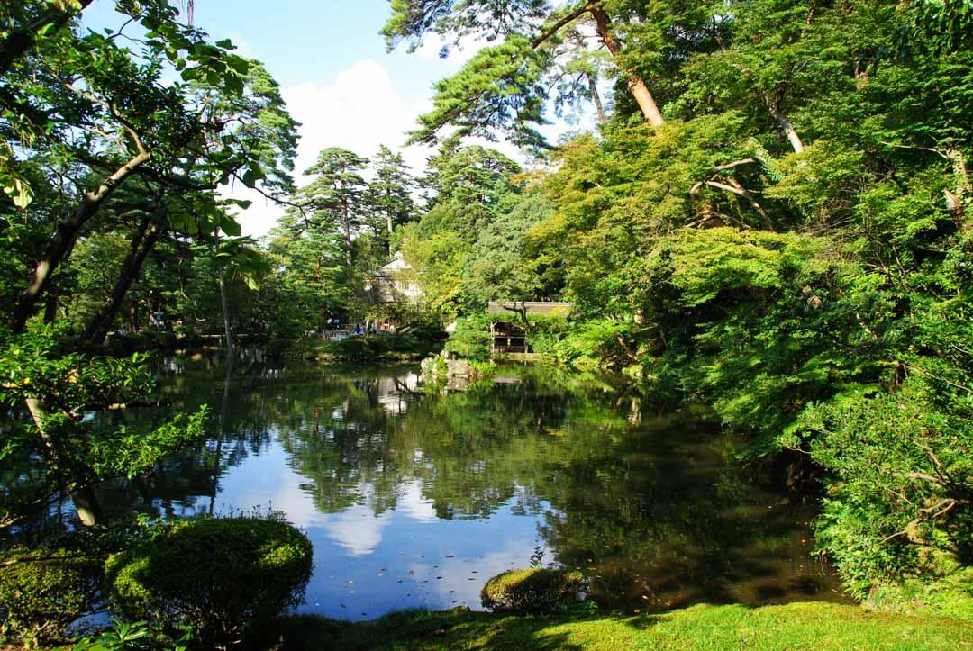 Etang Haseike - jardin Kenrokuen - Kanazawa