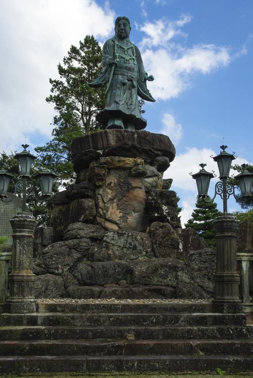 Statue dans le jardin de Kenroku-en à Kanazawa