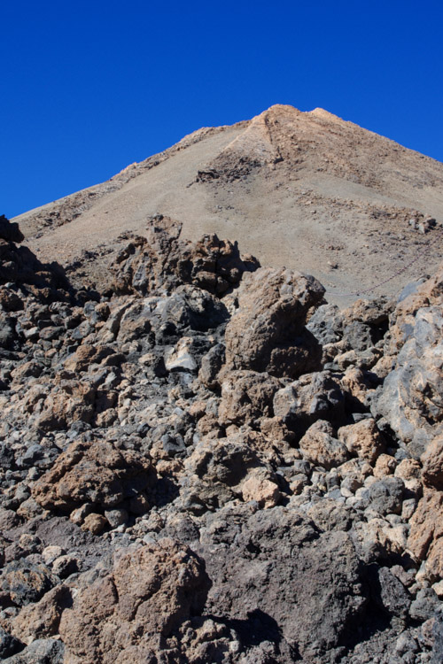chemin d'accès pour atteindre le sommet du Teide
