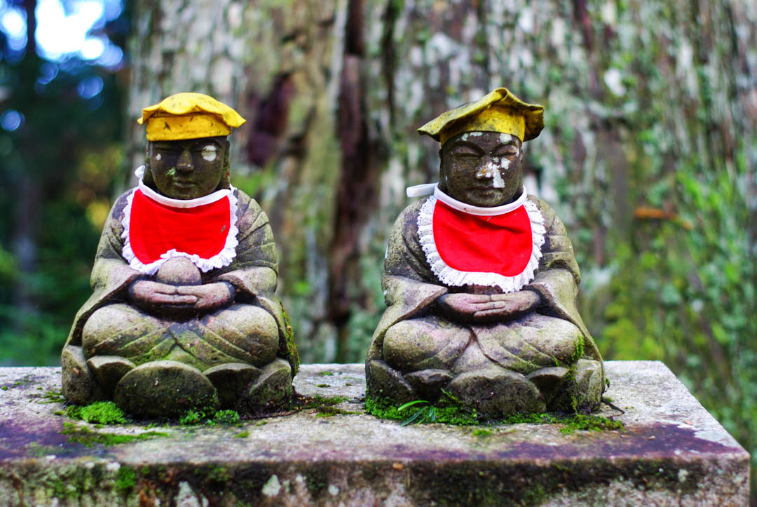 statue - cimetière Okuno-in - Koya-san