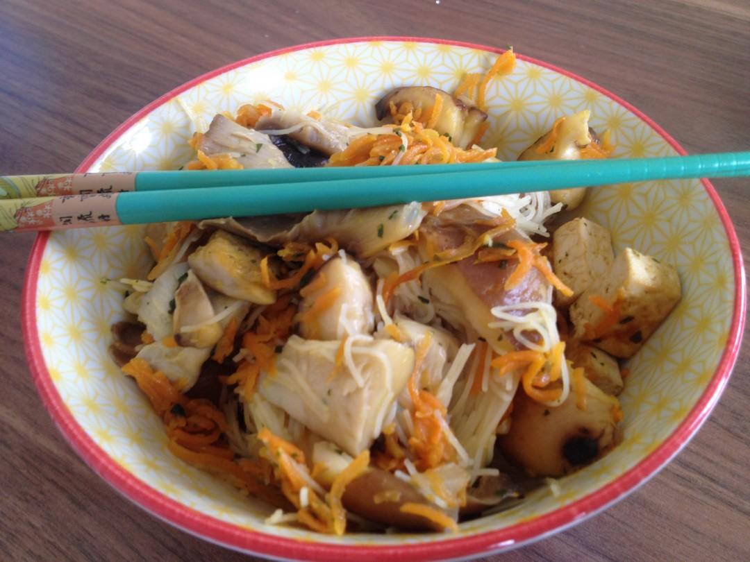 bol de nouilles asiatiques