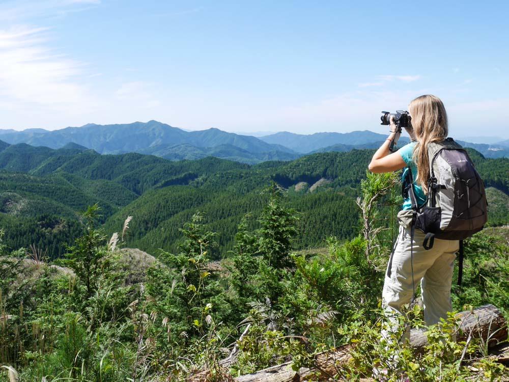 en train de photographier les paysages autour de Koya-San