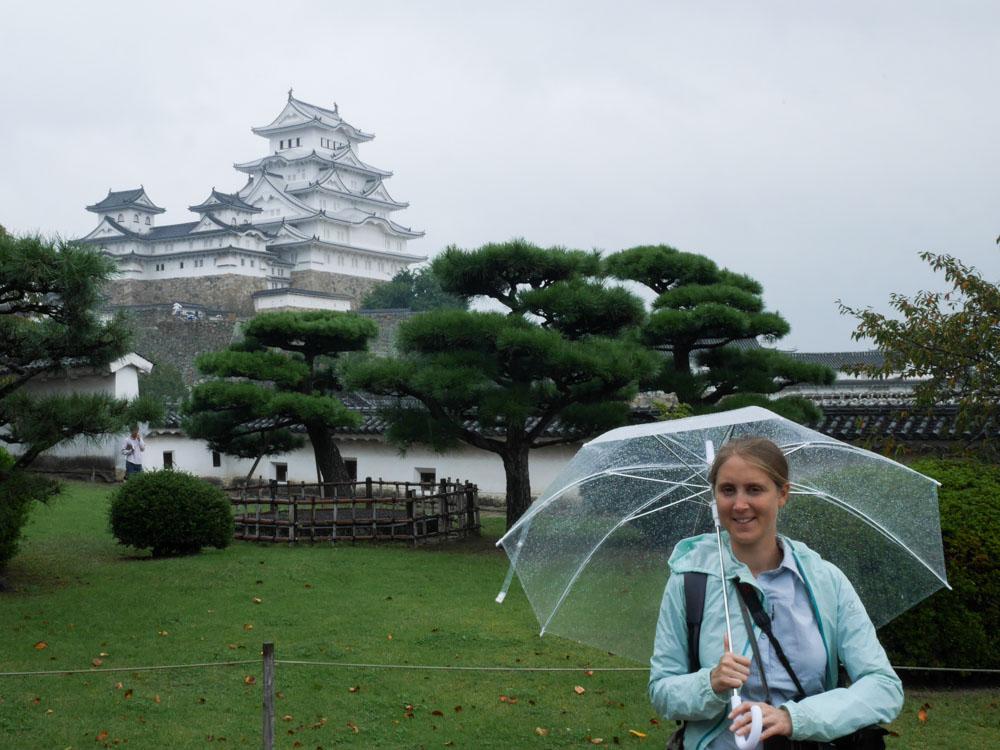 portrait devant le chateau d'himeji