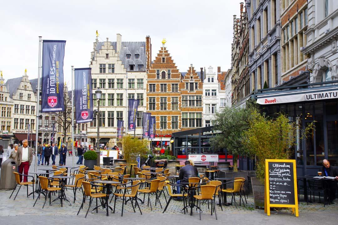 Terrasse de café de la Grand Place d'Anvers