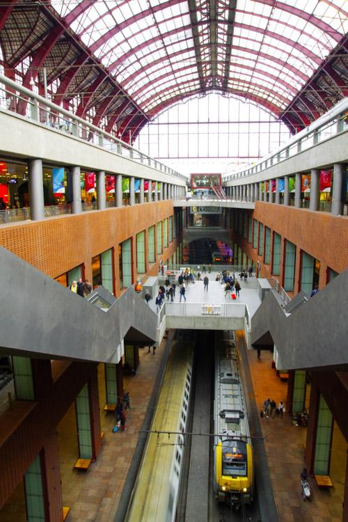 les quais de la gare centrale d'Anvers