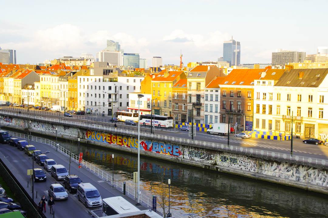la vue sur Bruxelles depuis la terrasse du MIMA