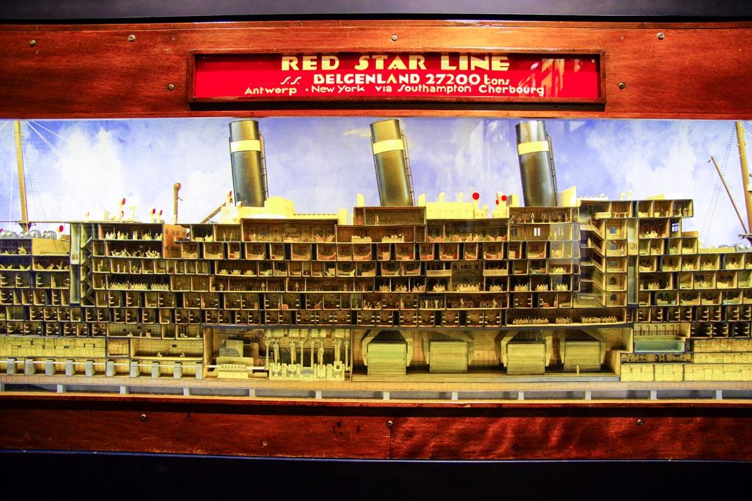 maquette d'un bateau de la Red Star Line