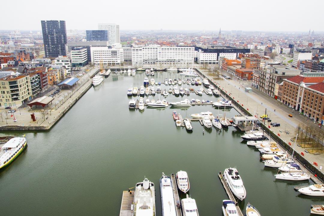 Panorama sur le port d'Anvers depuis la terrasse du Mas