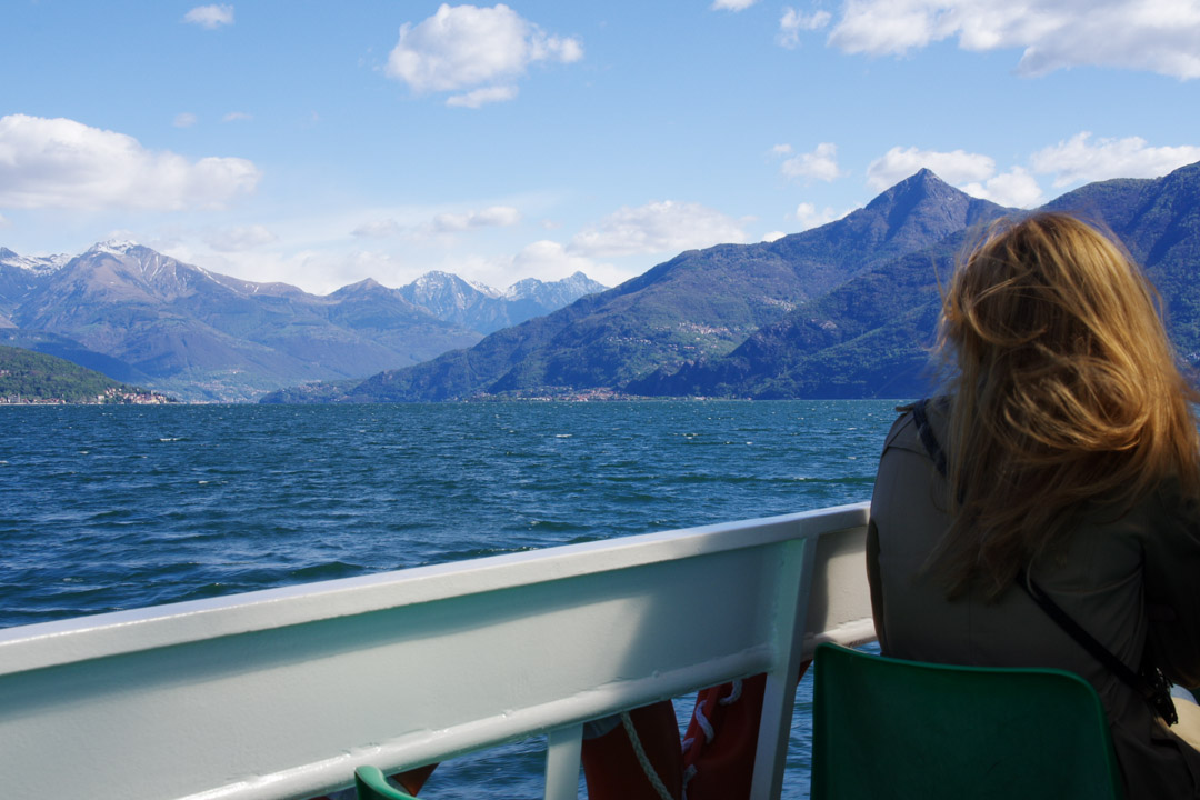Sur le bâteau au lac de Côme
