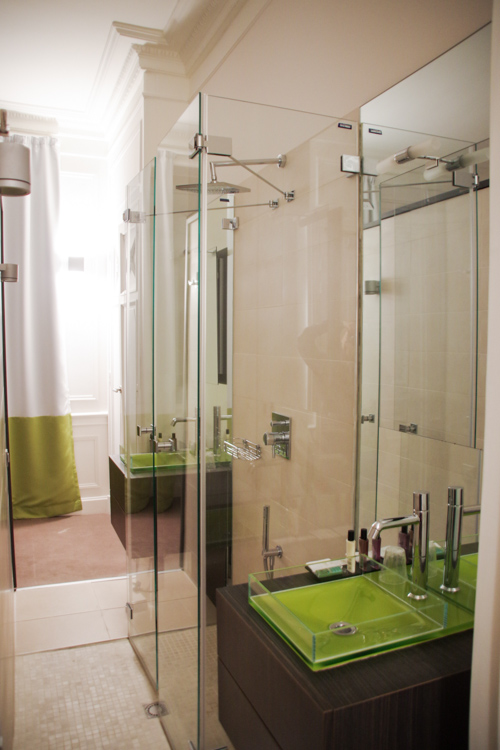 ma chambre, salle de bain - hotel chateau de Lacan