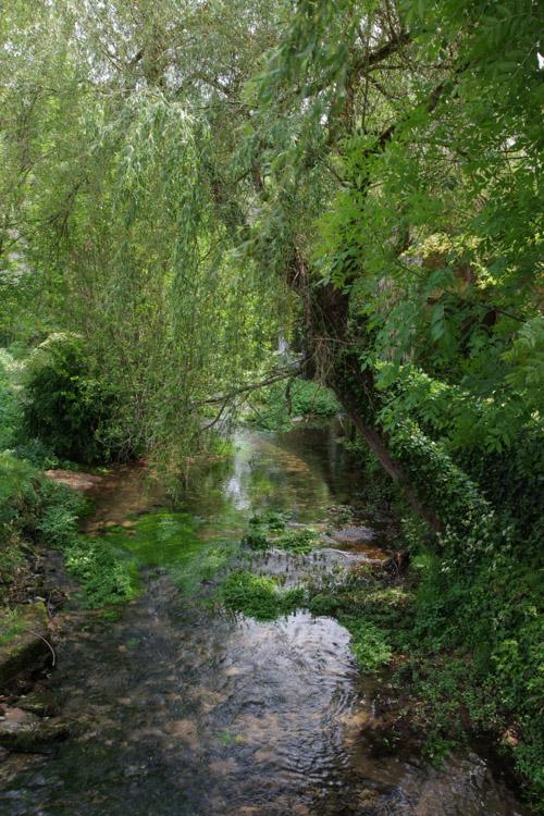 Un petit ruisseau traversant le village de Soulier