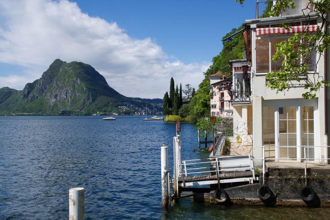 des villas au bord du lac de Lugano