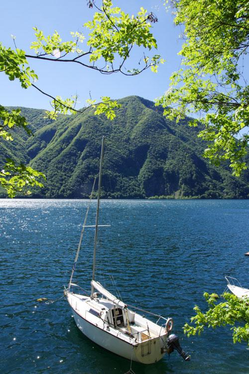 bateau sur le lac de Lugano