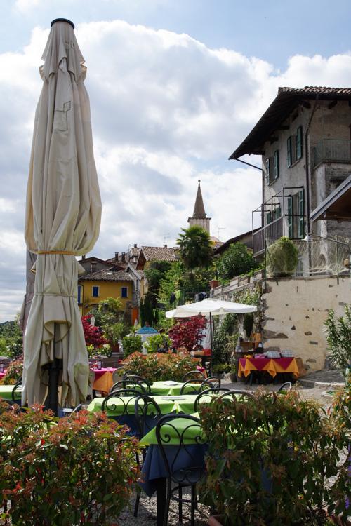 Terrasse de restaurant sur l'île des pécheurs