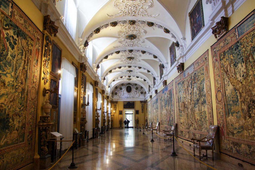 Salon des tapisseries du chateau d'Isola Bella