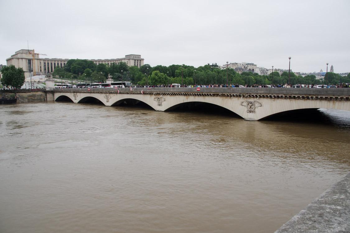 crue de la seine au pont de l'Alma