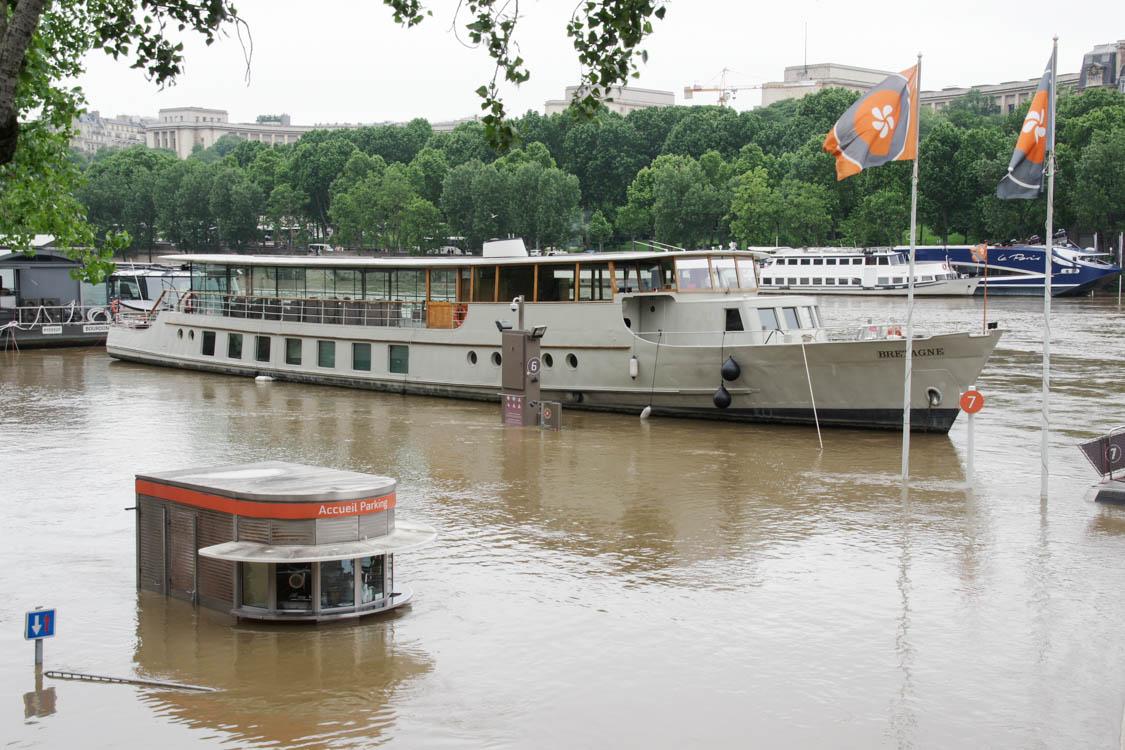 les bateaux mouches submergés