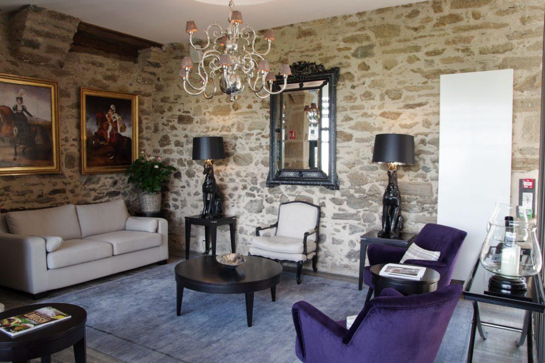 Salon de l'hôtel Joyet de Mobet à Uzerche