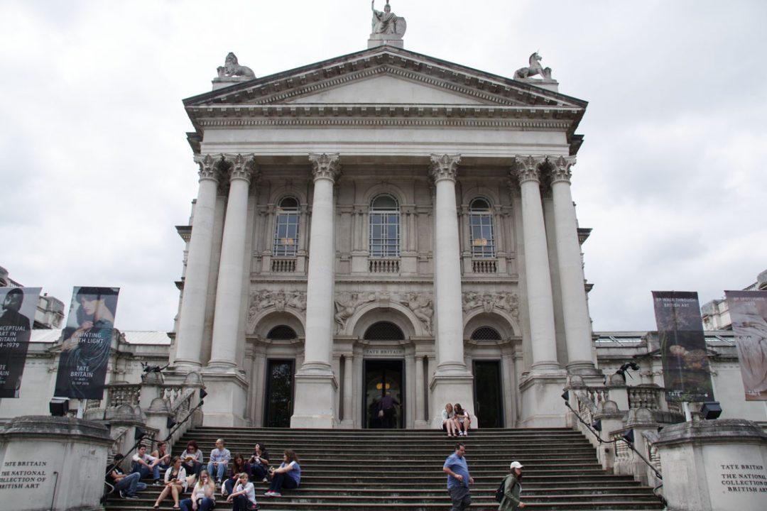 entrée principale de la Tate Britain - Londres