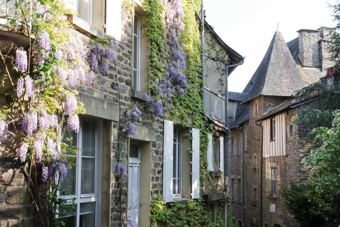 Balade à Uzerche, un des plus beaux villages de Corrèze