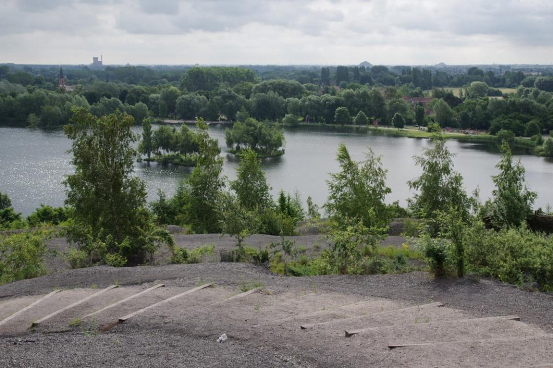 Terril des Argales - Panorama sur le lac
