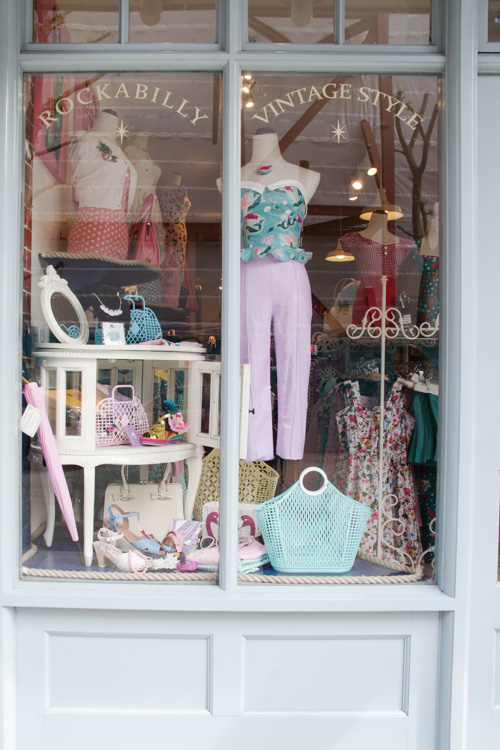 Vitrine d'une boutique vintage à Old Spitafields Market - Londres