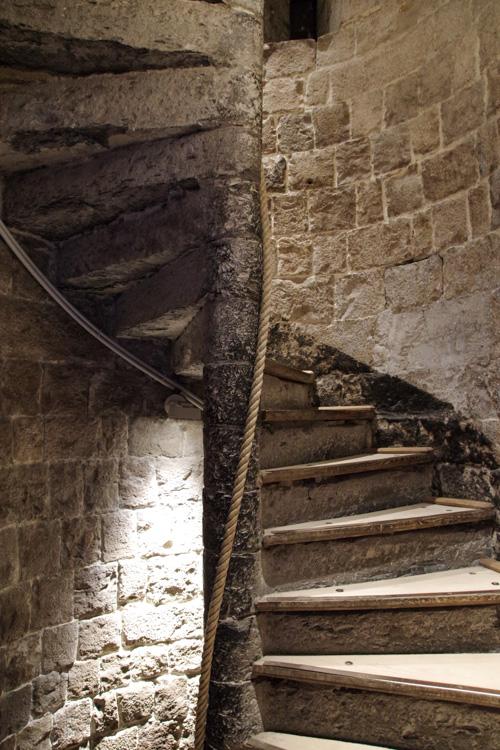 Escalier du beffroi de Douai
