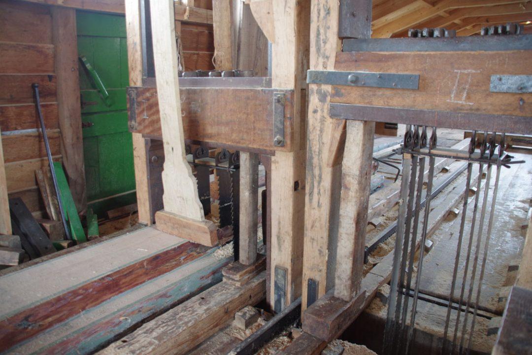 Intérieur du moulin scierie