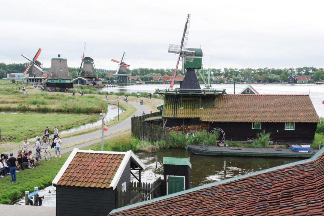 Panorama sur les moulins de Zaanse Schans