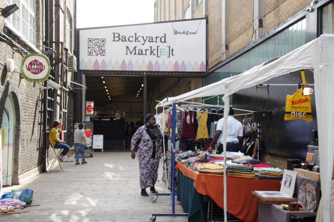 Entrée de Backyard Market