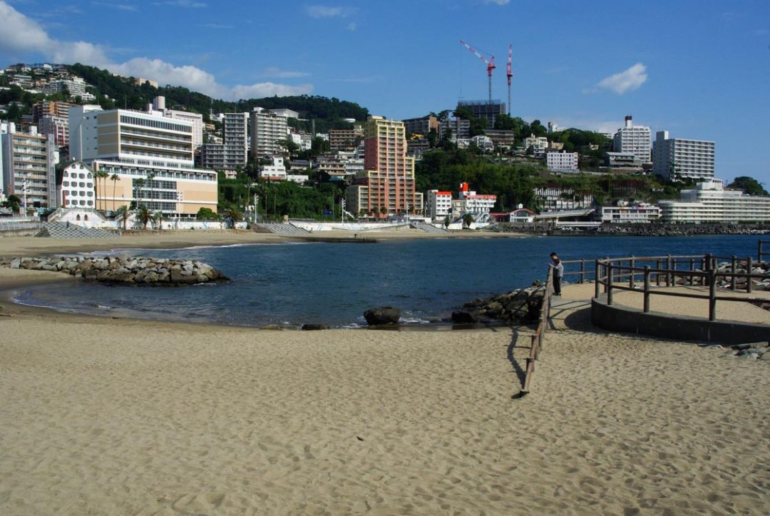 La plage d'Atami
