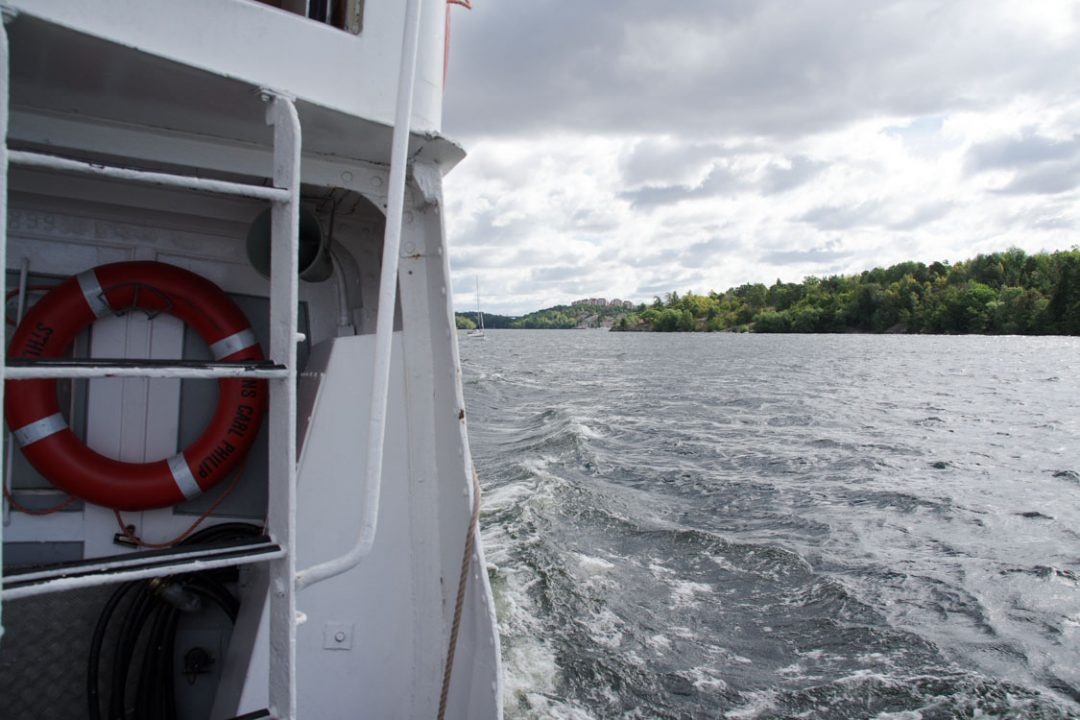 en bateau sur le lac Malaren - Suède