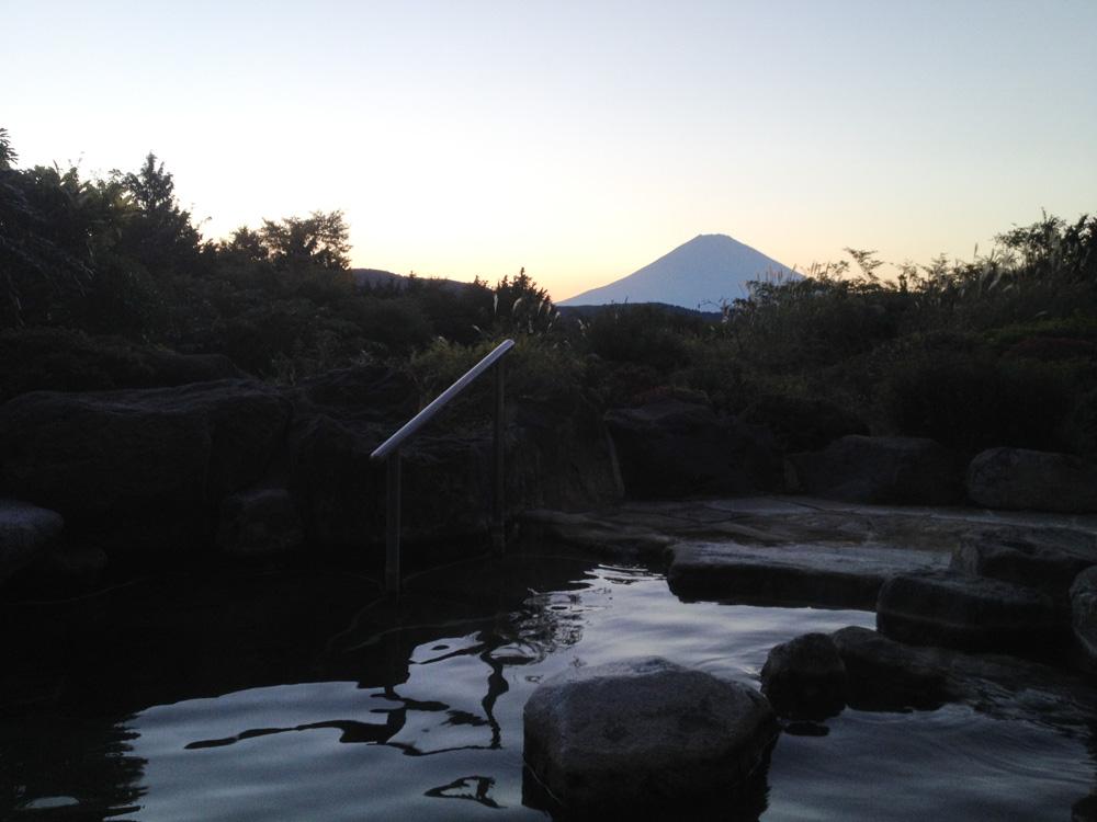 Onsen avec vue sur le mont fuji