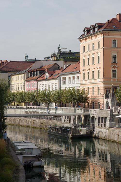 au bord de la rivière Ljubljanica