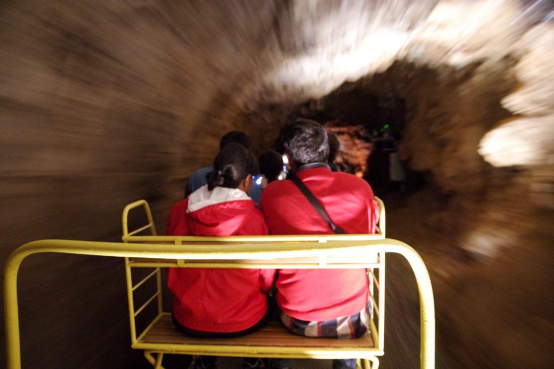 petit train de la grotte de Postojna