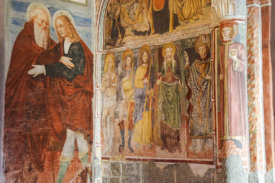 Fresques à l'intérieur de l'église de San Giulio