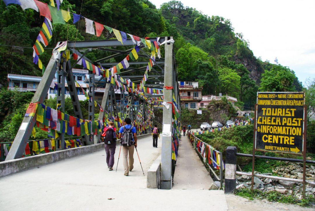 le pont de Birethanti : limite de la zone de conservation des Annapurnas