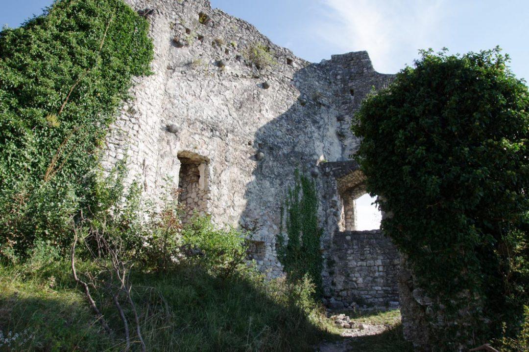 Ruines du château de Vipava