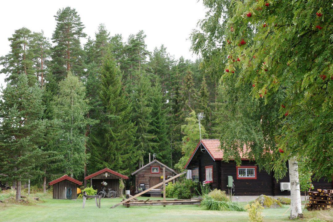 maisons traditionnelles suédoises en dalécarlie