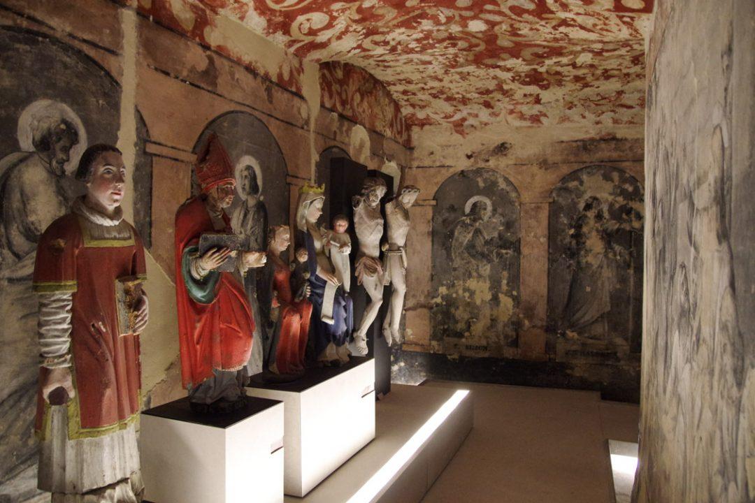 intérieur de la crypte de Boulogne-sur-mer
