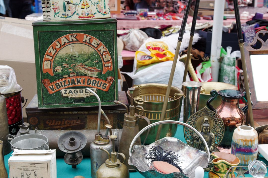 Antiquités sur le Marché aux puces de Zabreg