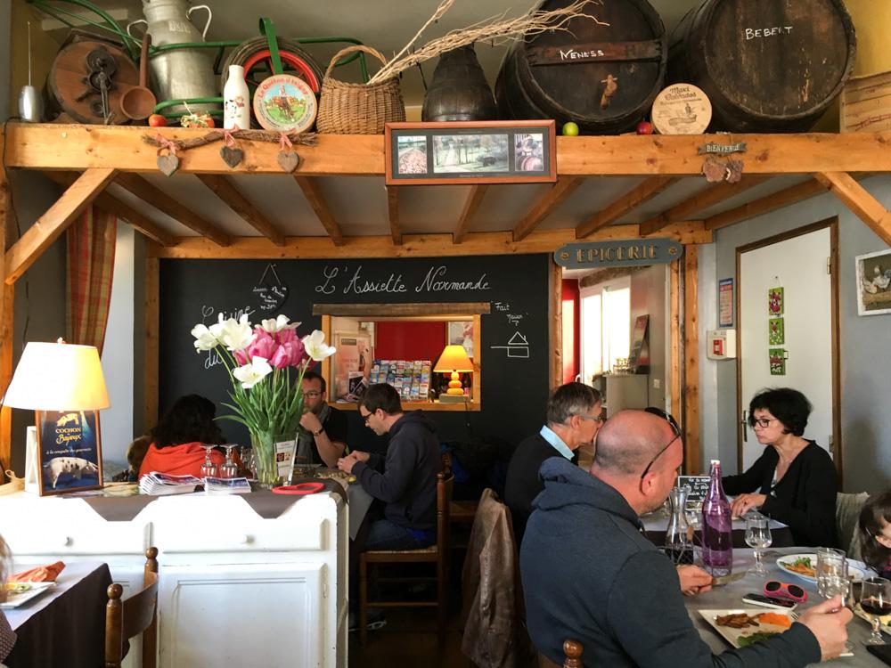 Intérieur du restaurant l'Assiette Normande - Bayeux