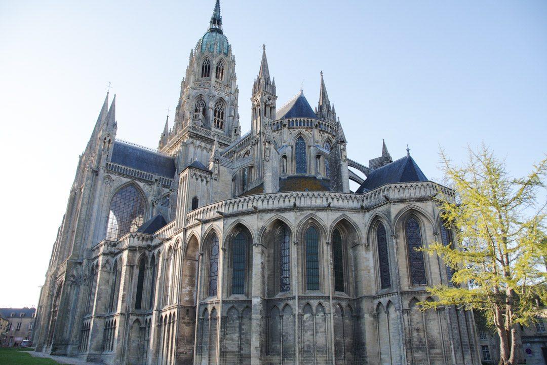 arrière de la cathédrale de Bayeux