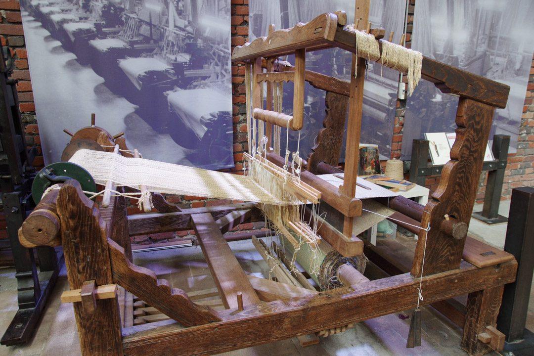 métier à tisser du moen-age - la manufacture - Roubaix