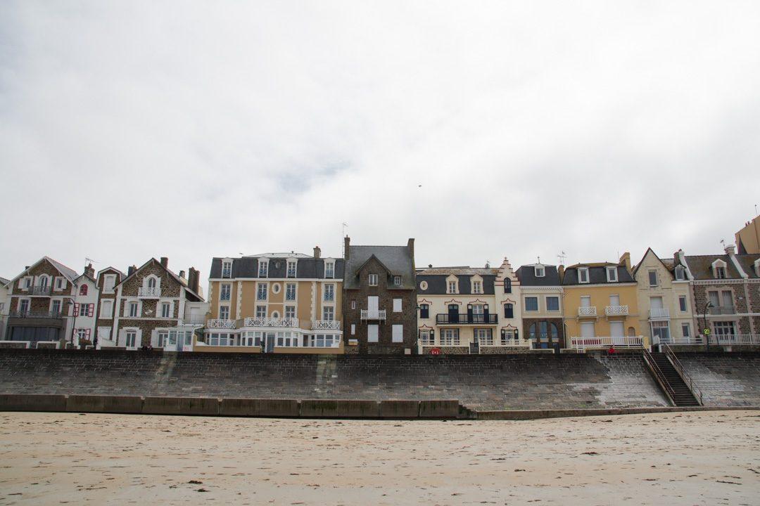 les maisons de vacances au bord de la plage du Sillon - Saint-Malo