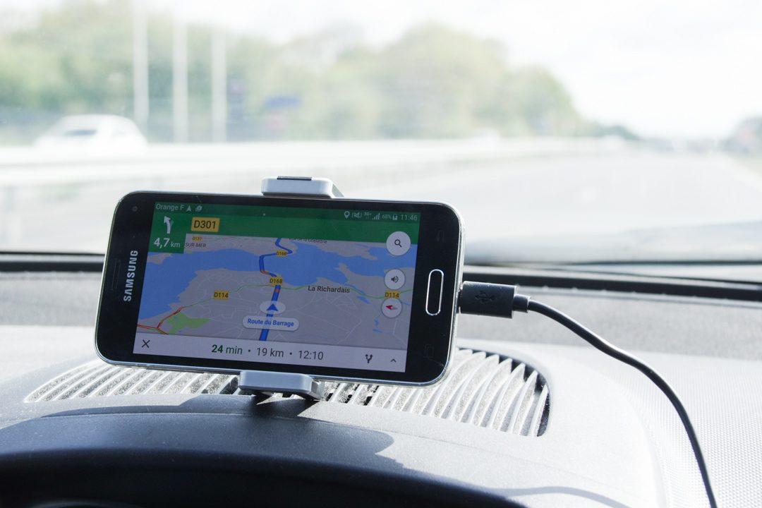 Road kit simple installé dans la voiture