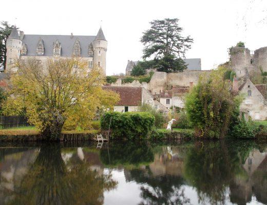 Vue sur le château de Montrésor depuis la balade des balcons de l'Indrois