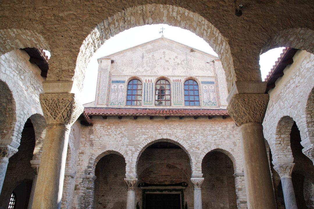 Cloitre de la basilique euphraisenne de Porec