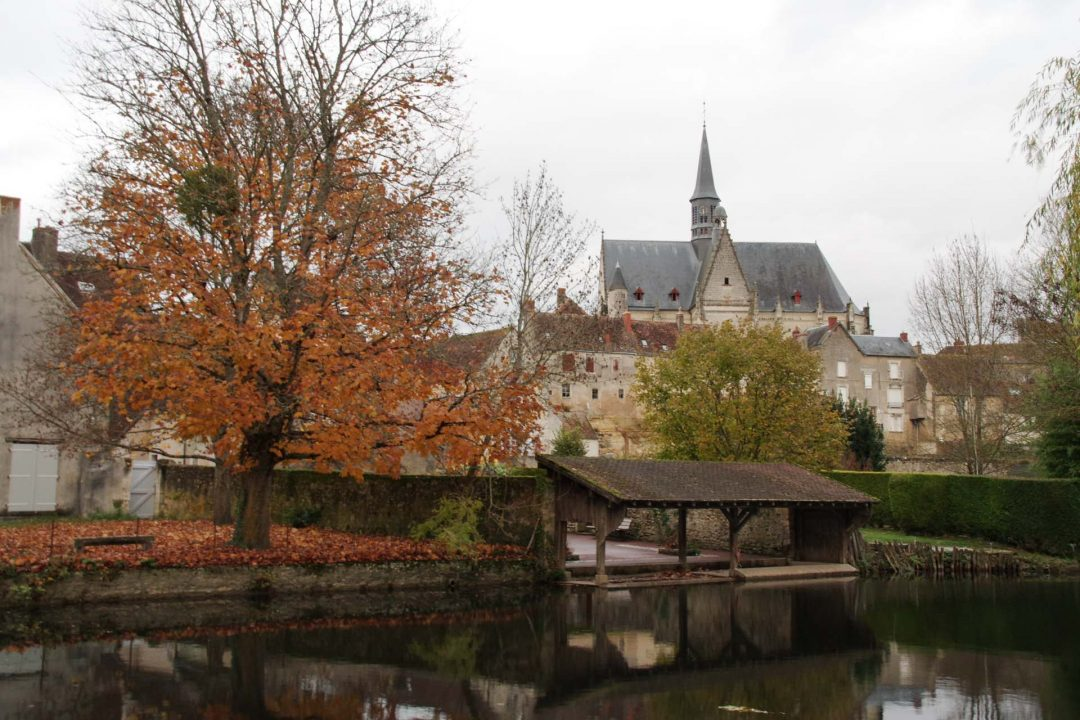 le village de Montrésor au bord de l'Indrois