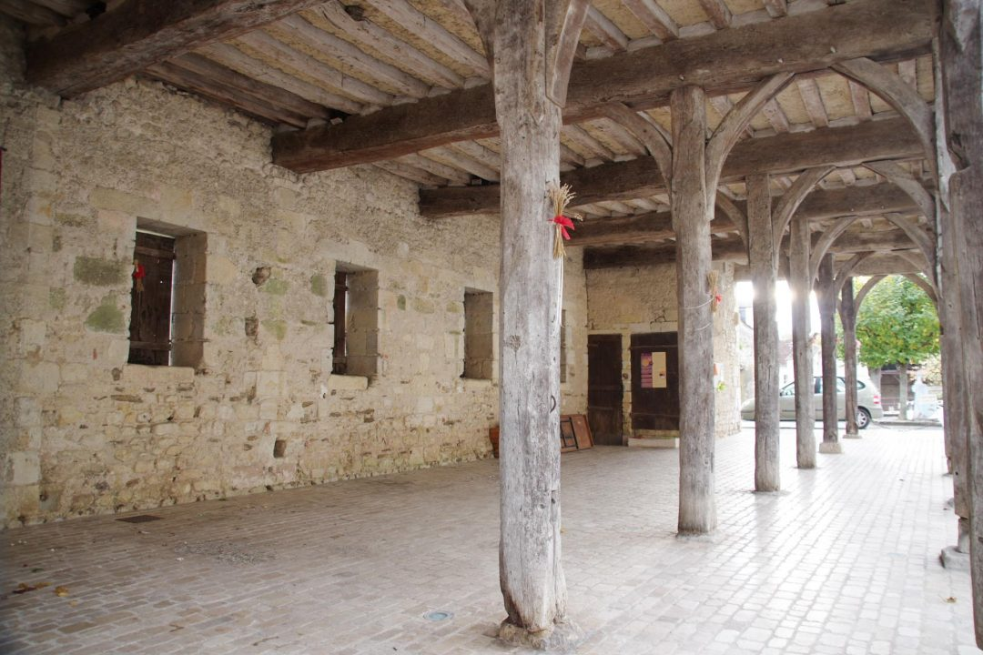 La Halle aux Cardeux - Montrésor